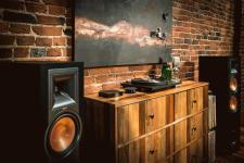 Klipsch-Reference-Powered-Towers.jpg