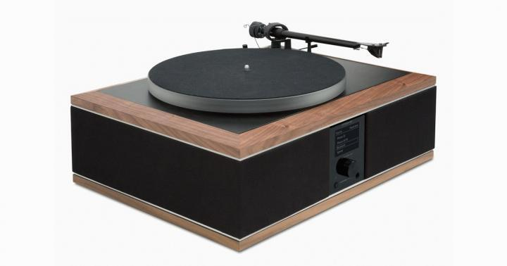 Andover_Model-One-Turntable-Music-System-Angle_5000x.jpg