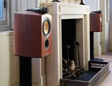 BW-805-Diamond-bookshelf-speaker-review-fireplace.jpg