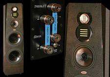 Legacy_Audio_Signature_SE_Floorstanding_Speaker_review_large_keyart_close-up_newsletter.jpg