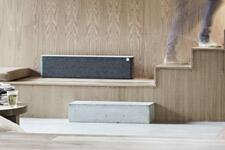 Libratone-Lounge-AirPlay-Speaker-review-color-stairs.jpg