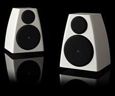 Meridian_Sooloos_System_Review_DSP3200_bookshelf_speaker.jpg