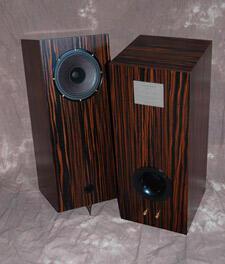 Omega-Speaker-System-Hoyt-Type-1_5-bookshelf-speaker-review-dark-finish.jpg