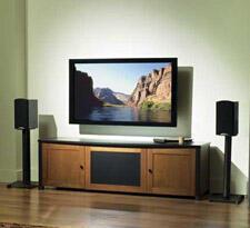 Sanus_SF26_Speaker_Stand_review_livingroom.jpg
