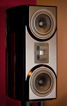 Vapor-Audio-Stiff-Breeze-bookshelf-speaker-review-close-up.jpg