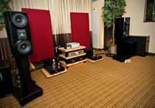 Vapor-Audio-Stiff-Breeze-bookshelf-speaker-review-pair-small.jpg