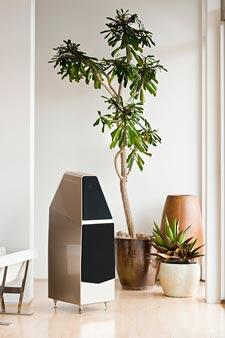 Wilson-Audio-Sophia-3-floorstanding-speaker-review-black-tree.jpg