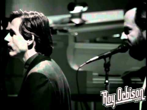 """Roy Orbison - """"Only the Lonely"""" from Black and White Night"""
